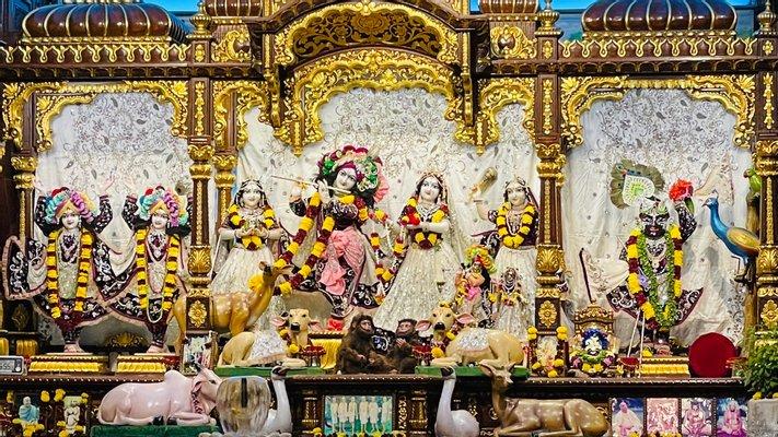 ISKCON Chowpatty (Sri Sri Radha Gopinath Mandir)