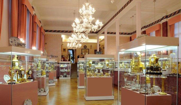 Decorative Arts Museum Francois Duesberg