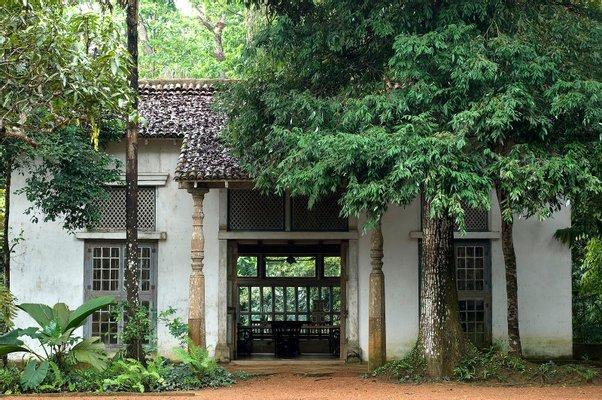 Lunuganga Geoffrey Bawa's Country Estate