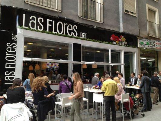 Las Flores Bar
