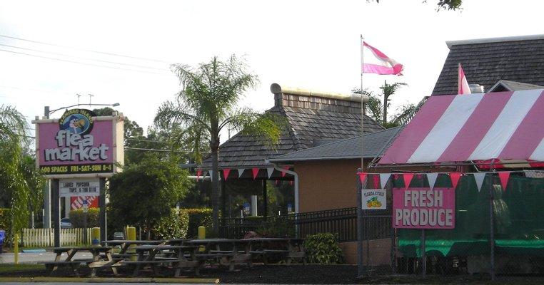 Flamingo Island Flea Market