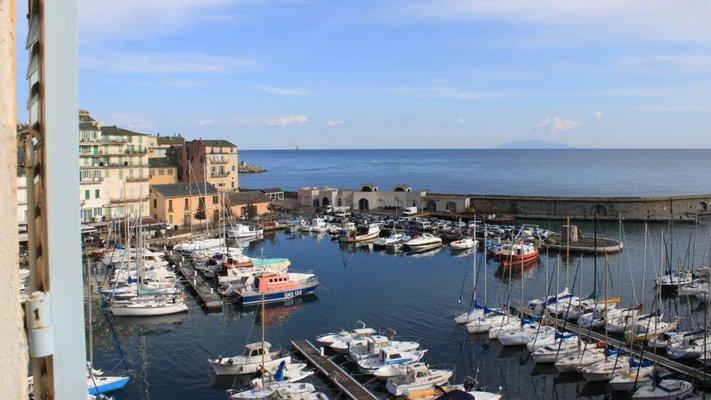 Appartements vue sur le vieux port de Bastia