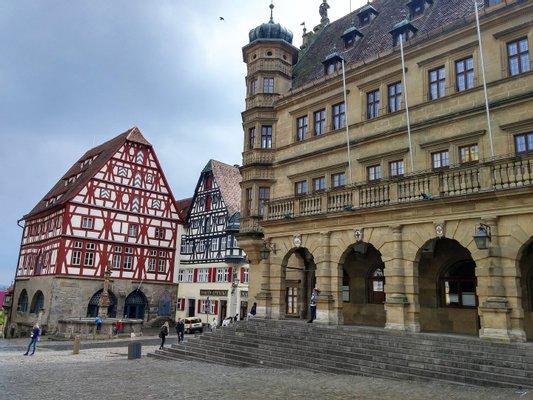 Rathaus und Ratstrinkstube/ Town hall and Councillors tavern