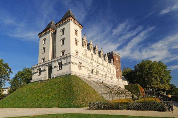 National Museum and the Château de Pau - Official