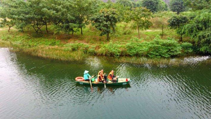 Trang An Grottoes tour