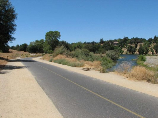 Jedediah Smith Memorial Trail