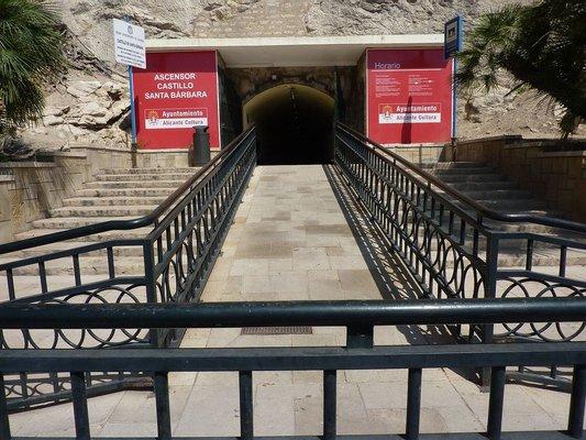 Ascensor al Castillo de Santa Bárbara