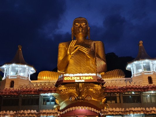 Dambulla Royal Cave Temple and Golden Temple
