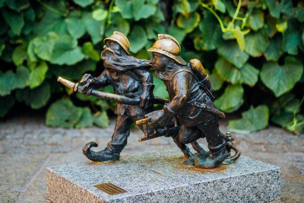 Dwarf - Firefighter Dwarfs