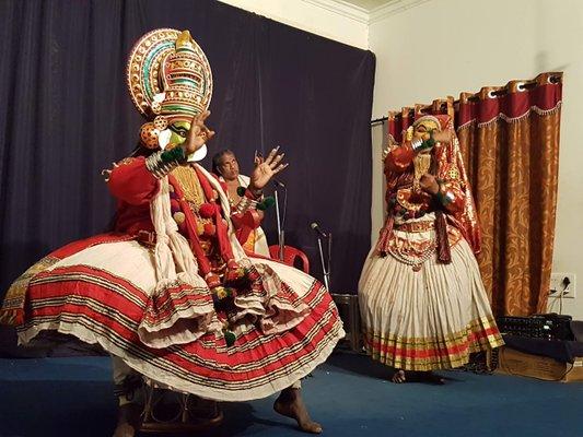 Kadathanadan Kalari & Navarasa Kathakali Thekkady ( Periyar )