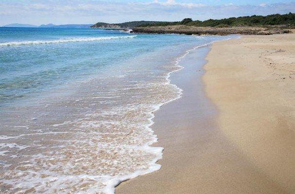 Altınkum Plajı (Goldensand Beach)