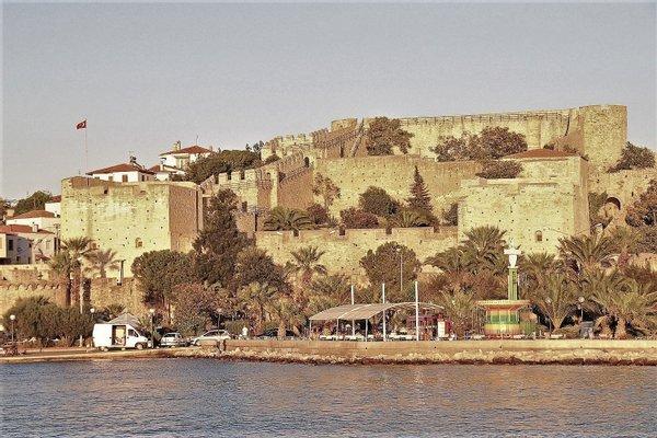 Cesme Castle