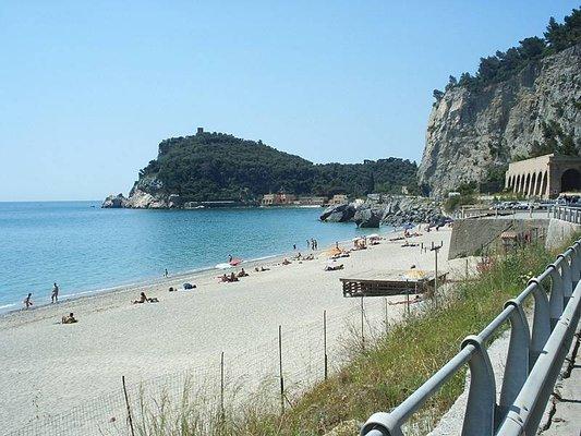 Saraceni Bay