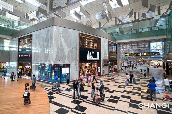 Bottega Veneta Singapore Airport Terminal 3
