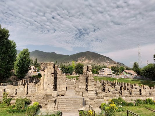 Avanti Swami Temple Ruins