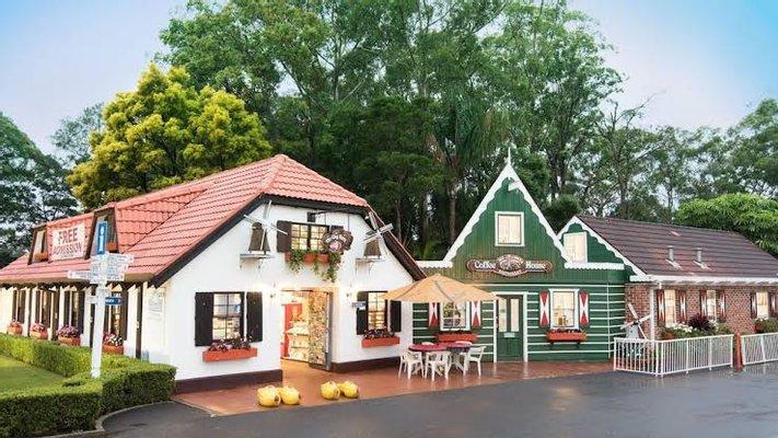 The Clog Barn Tourist Attraction & Caravan Park
