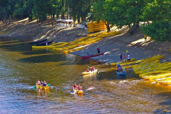 "Canoe Dordogne ""CANOES LOISIRS """