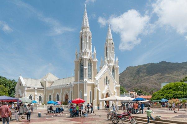 Basilica Nuestra Señora del Valle
