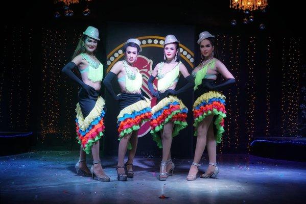 Moo Moo Cabaret Show & Bar