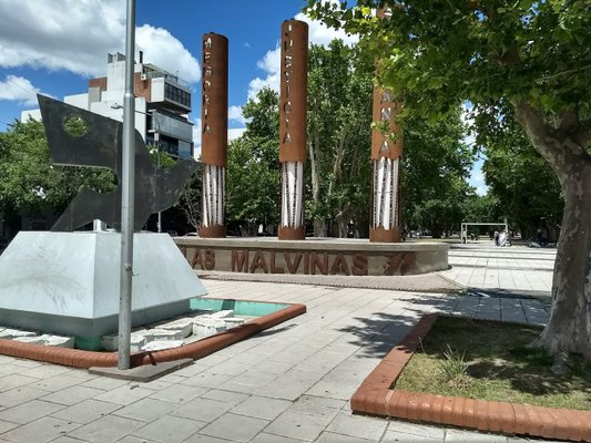Plaza Malvinas Argentinas