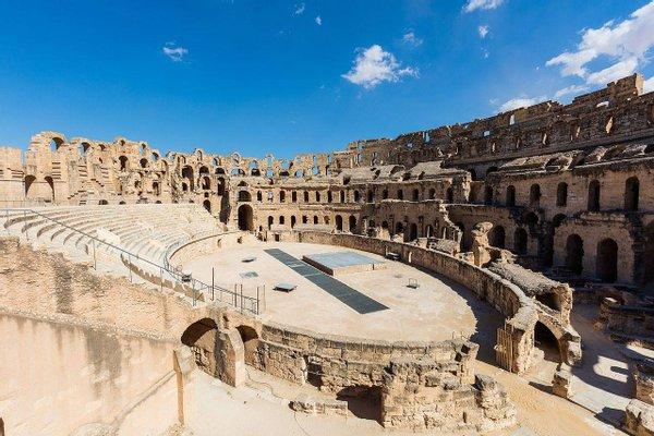 El Anfiteatro (The Amphitheatre)