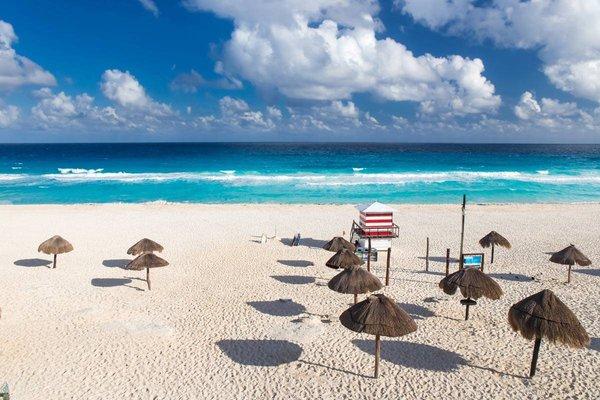 Playa Delfines.