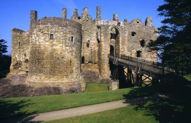 Dirleton Castle & Gardens