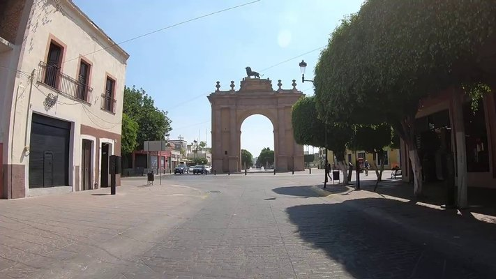 Triumphal Arch of the Causeway of the Heroes