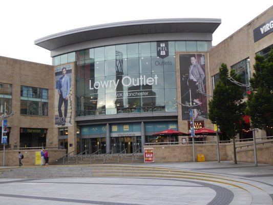 Lowry Outlet