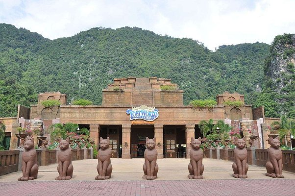 Sunway Lost World Of Tambun : Lost World Hotel and Lost World of Tambun Theme Park